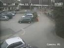 那辆车跟你有仇吗。。。