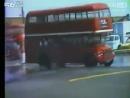 双层巴士竟然也能玩漂移!