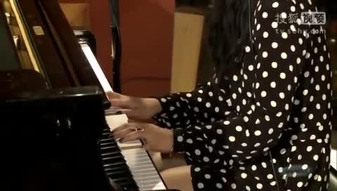 贝加尔湖畔钢琴伴奏谱 送别钢琴伴奏谱 幸运钢琴伴奏谱 我这土地钢琴