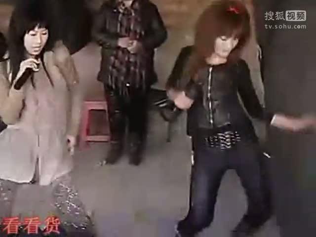 我在搜狐视频上传《狂舞美女超级诱惑》:农村