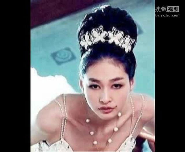 新娘盘发视频 新娘发型盘发步骤