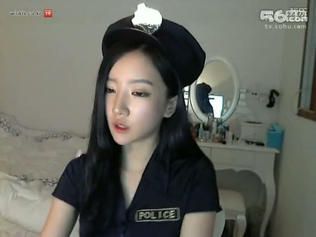 2013年韩国美女主播朴妮唛最新热舞视频