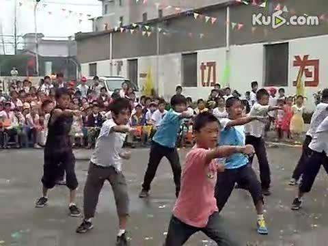 飞翔小学六年级2011六一舞蹈视频
