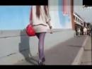 街拍超短裙紫色丝袜性感长发美女 在线视频