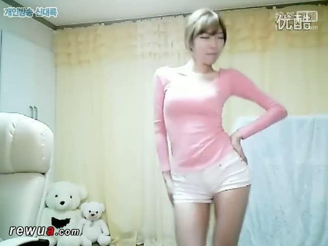 韩国美女热舞自拍bj  主持李由美齐b小短裤热舞