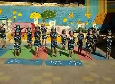 幼儿舞蹈小美幼儿园大班女孩舞蹈踏浪