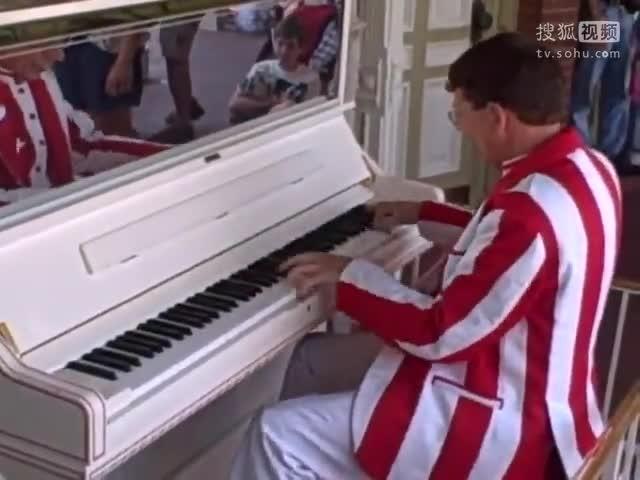 开挂的钢琴家,大叔,我给您跪了!