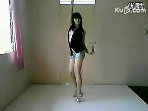 热舞自拍 视频 90后美女性感