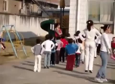 03:22赤水市 中幼儿园中班早操-器械操-赤水
