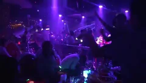 酒吧dj舞曲现场视频_百度酒吧DJ小莹音乐现场在线播放网,视频高清在线观看-原创视频